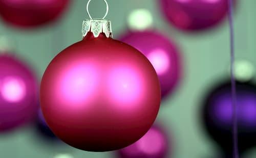 decoracion de escaleras interiores en navidad