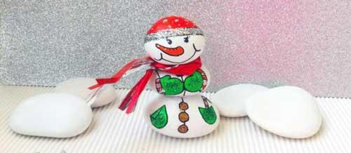 como hacer muñeco de nieve con calcetin