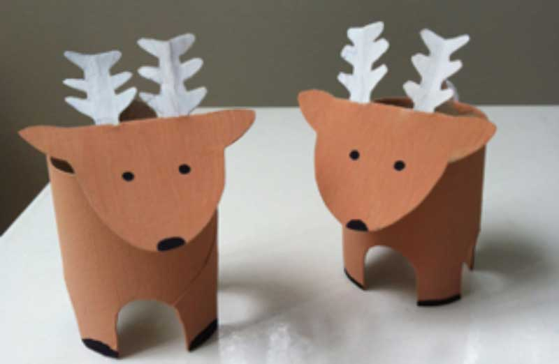 mini renos de carton con rollos de papel higienico